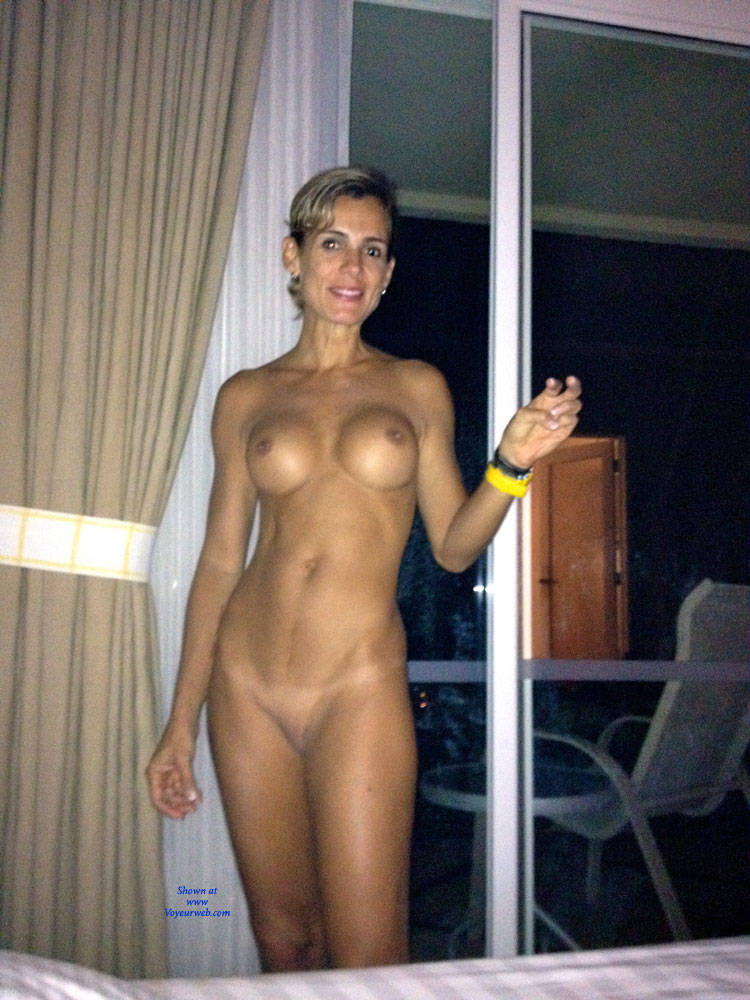 Naked girls speculum insertion video