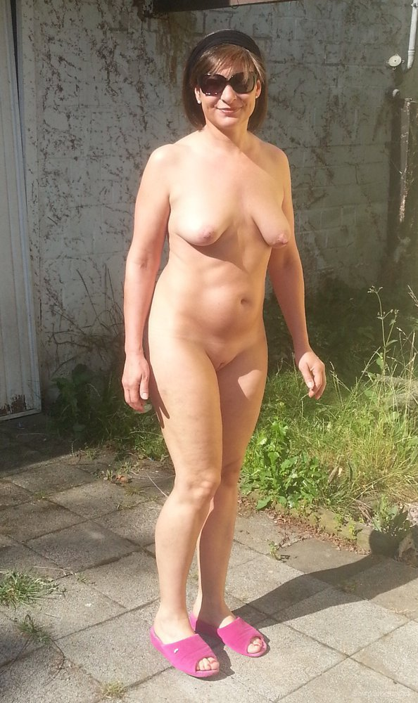 Family nudist colony pictuers