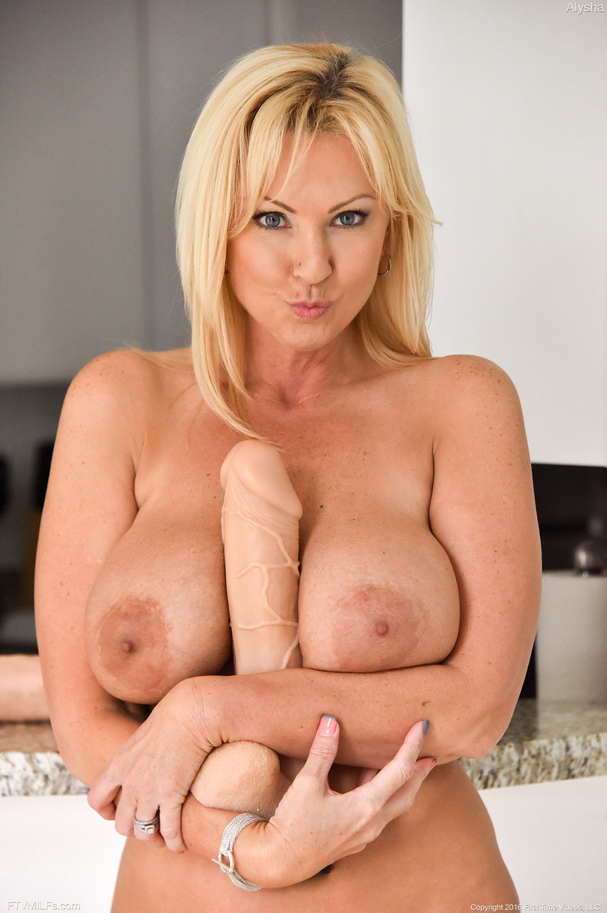 Breasts mounds