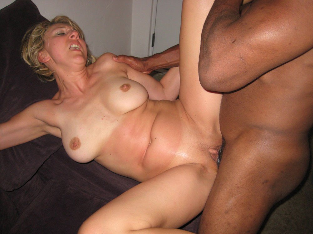 Hot rich blonde moms naked
